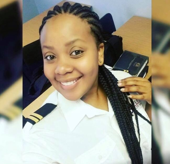 D1CgUXJWkAAuWO2 - Remember Palesa Shitlabane who was undergoing her pilots training in 2017 amp needed funds to complete She attained her Commercial Pilots License which makes her one of few female commercial pilots globally. Mduduzi Manana Foundation paid her fees. Let RT and make her famous