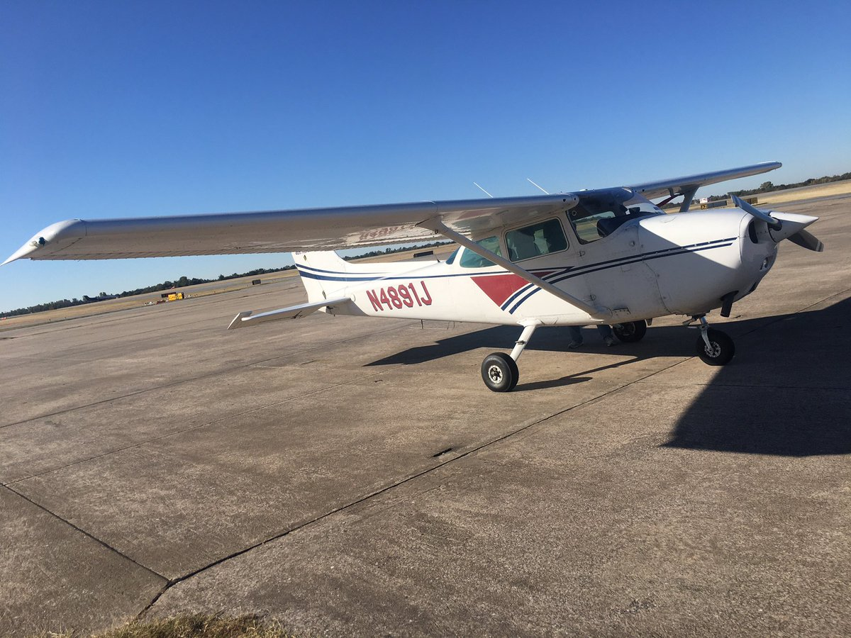 EIebWw4WkAEBYn5 - Getting my Private Pilots License has been on my bucket list forever. Thanks to Hal Harris at AirOne Flight Academy for my latest flight school tour this week at cessna172 flightlessons okc cessna aviation oklahoma