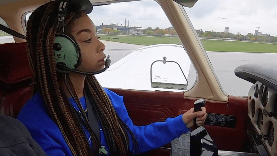 EJG5jgNWkAIbHWk - A 16-year-old Cleveland girl skips over the whole drivers license thing, receives her pilots certificate instead