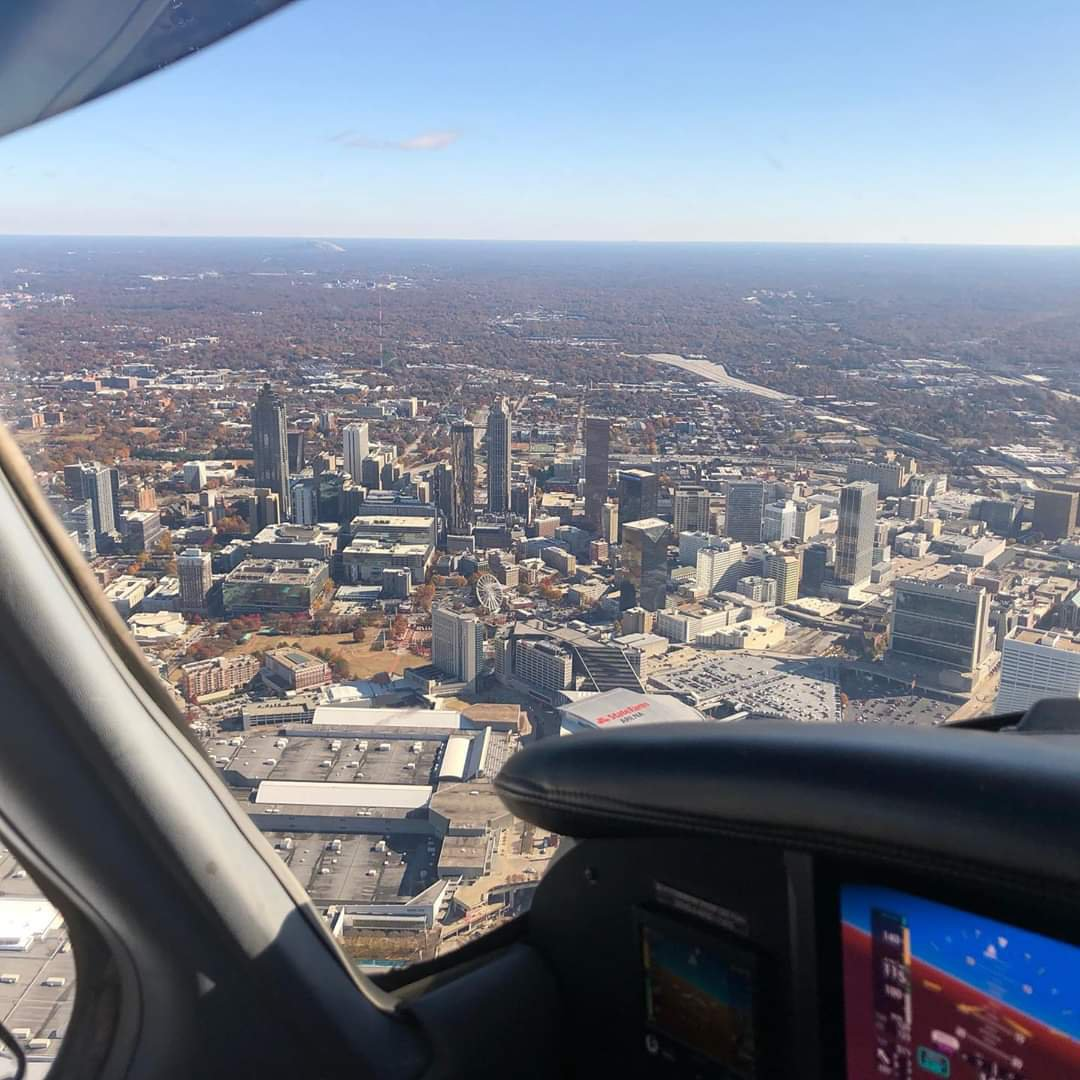 cdV2Um9odcSXMJnkz5g7quMs8W3H O 88FWYhFm4BSY - I got my pilot license last week and took some friends up this weekend to do a little tour of the ATL skyline and Stone Mountain